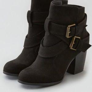American Eagle double buckle heeled booties- black